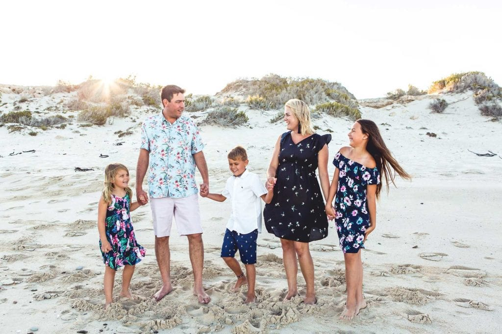 elate-photography-family-shoot-beach-natural